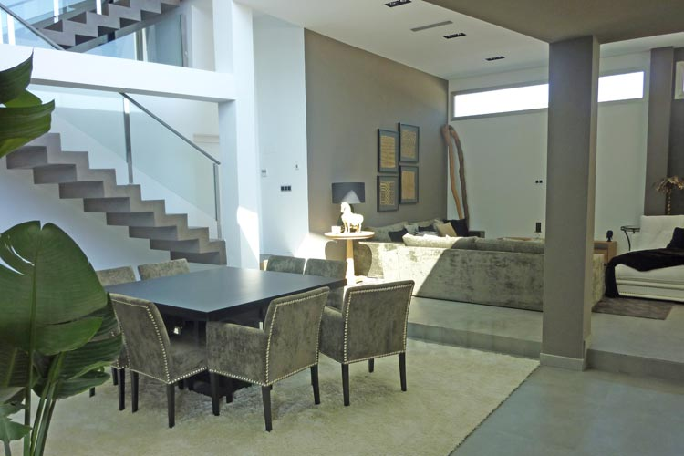 Microcemento cordoba galeria - Salones con escaleras ...